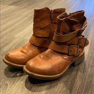 Brown Cathy Jean boots.